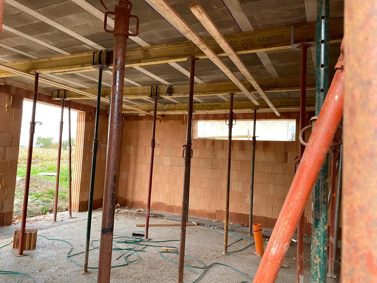 5-izbový rodinný dom v Zálesí - stavba vnútro